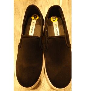 Steve Madden Suede Like Slip On Black shoes 9